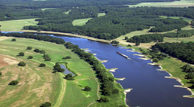 Luftbild Elbe (verweist auf: Stromregelung)